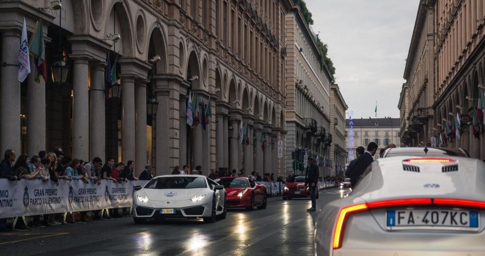 La Formula 1 sfila nel centro della città 90