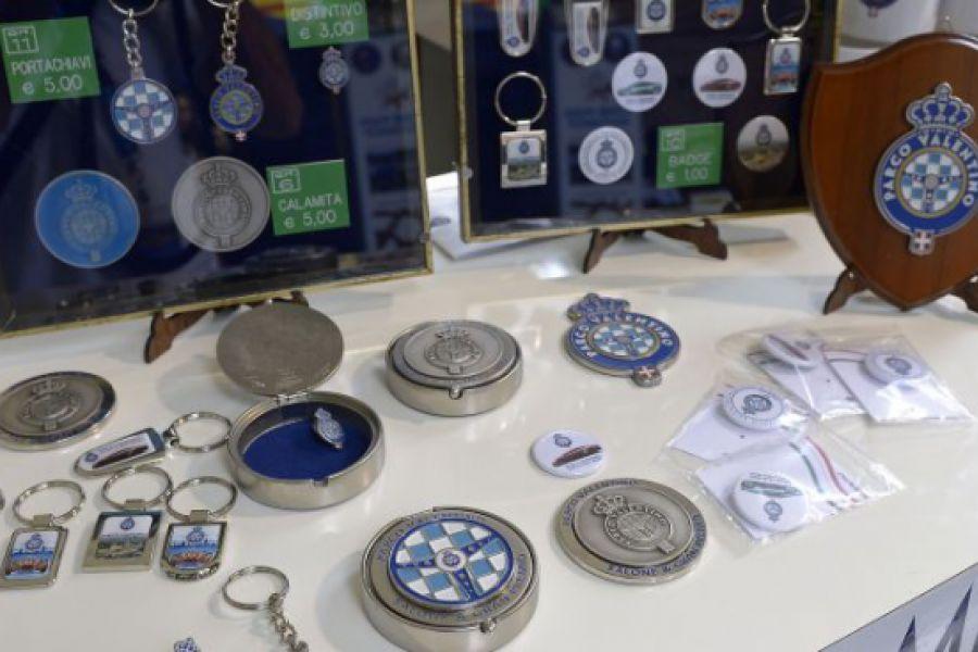 Merchandising di Parco Valentino disponibile in Galleria San Federico a Torino